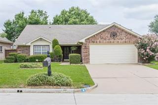 Single Family for sale in 1411 Lincoln Drive, Mansfield, TX, 76063