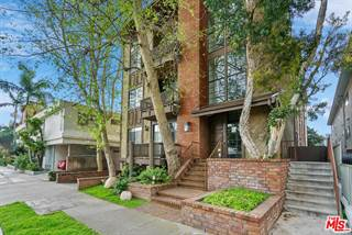 Townhouse for sale in 2307 South BENTLEY Avenue 2, Los Angeles, CA, 90064