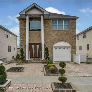 Residential Property for sale in 63 Opal Lane, Staten Island, NY, 10309