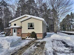 Residential Property for sale in 2 North St., Petawawa, Ontario, K8H 2R1