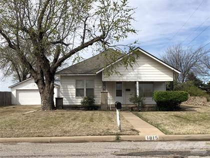 Residential for sale in 1815 East Avenue, Wellington, TX, 79095