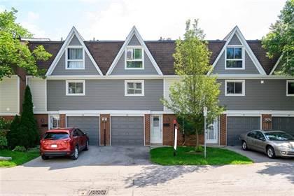 Condominium for sale in 15 Carolin Court, Dundas, Ontario, L9H 5P2