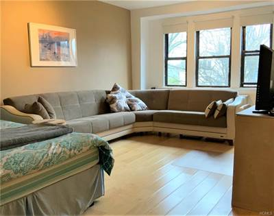Residential Property for sale in 604 Tompkins Avenue D10, Mamaroneck, NY, 10543
