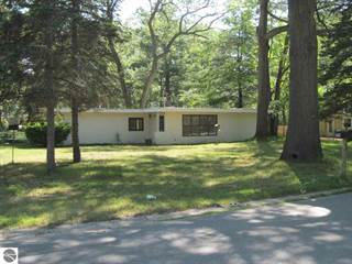 Single Family for sale in 774 Indian Trail Boulevard, Traverse City, MI, 49686