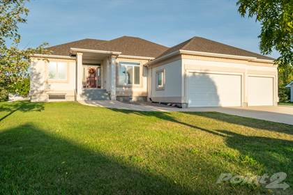 Incredible For Sale 323 Golfview Crescent Steinbach Manitoba R5G 2A2 More On Point2Homes Com Beutiful Home Inspiration Aditmahrainfo