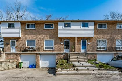 Condominium for sale in 851 Stone Church Rd E, Hamilton, Ontario, L8W 1N2