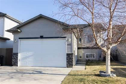 Residential Property for sale in 452 Heritage Boulevard W, Lethbridge, Alberta, T1K 7Y9