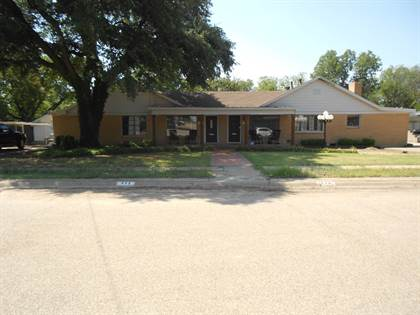 Multifamily for sale in 115 and 117 E. Pierce, Winters, TX, 79567