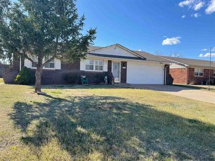 Residential for sale in 2603 2nd St, Wdwrd, OK, 73801