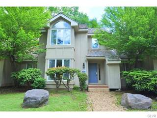Townhouse for sale in 533 Rondaxe Lane, Pocono Pines, PA, 18350