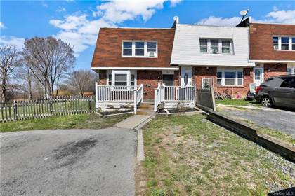 Residential Property for sale in 34 Chaucer Court, Scotchtown, NY, 10941