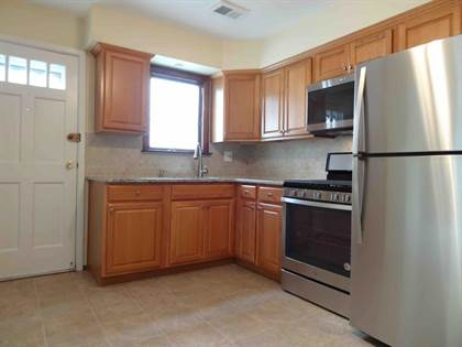 Residential Property for rent in 12 Gadsen Place 2-L, Staten Island, NY, 10314