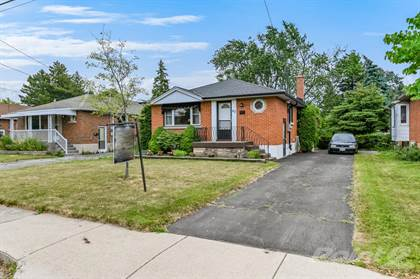 Residential for sale in 63 Winchester Blvd, Hamilton, Ontario, L8T 2M7