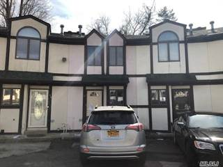 Townhouse for sale in 32 Stone Crest Ct, Staten Island, NY, 10308