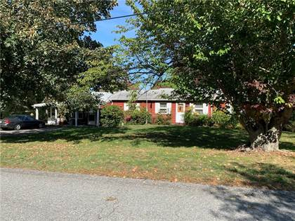 Residential for sale in 94 Colonial Avenue, Tiverton, RI, 02878