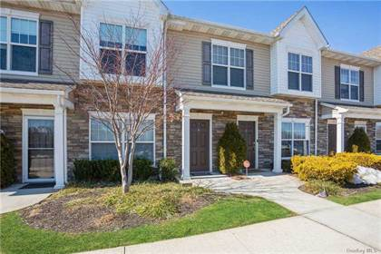 Residential Property for sale in 6 Hunter Drive, Central Islip, NY, 11722