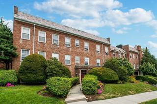 Condo for sale in 39 Commonwealth Avenue #32, Newton, MA, 02467