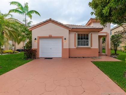 Residential Property for sale in 10529 SW 13th Ct, Pembroke Pines, FL, 33025