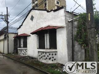 Residential Property for sale in Calle 8 Entre Ave. Sta. Isabel Y Ave. Roosevelt, Colón, Colón