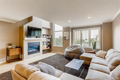 Residential for sale in 218 Groveland Avenue, Minneapolis, MN, 55403