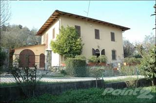 Residential Property for sale in Casale MONTECARLO - Montecarlo hills, lucca, Lucca, Tuscany