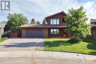 Single Family for sale in 16 Ross Heights Court SE, Medicine Hat, Alberta