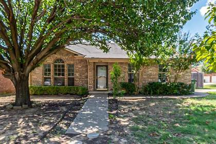 Residential for sale in 5526 Edendale Drive, Arlington, TX, 76018