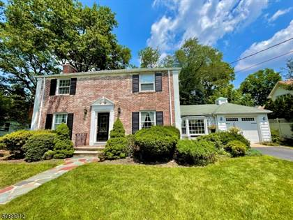 Residential Property for sale in 8 Cape Ct, Metuchen, NJ, 08840