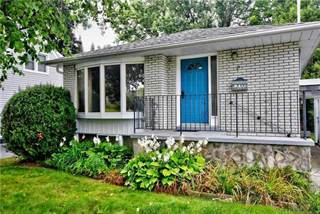 Residential Property for sale in 107 Roxborough Rd, Newmarket, Ontario
