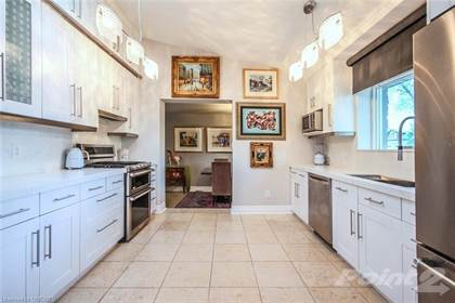 Residential Property for sale in BRONTE Corner Lot, Oakville, Ontario, L6L 1W5