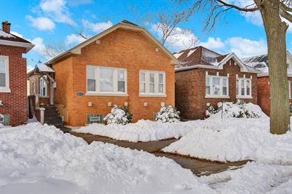 Residential for sale in 8232 South Ridgeland Avenue, Chicago, IL, 60617