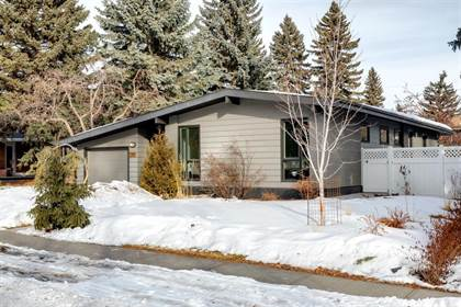 Single Family for sale in 7248 Kananaskis Drive SW, Calgary, Alberta, T2V2N2