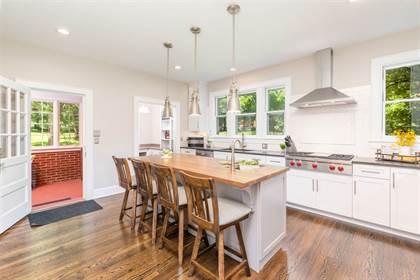 Residential Property for sale in 1610 N AUGUSTA ST, Staunton, VA, 24401