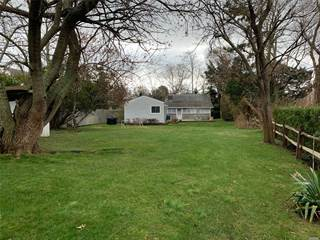 Single Family for sale in 67 W Inlet Rd, Hampton Bays, NY, 11946