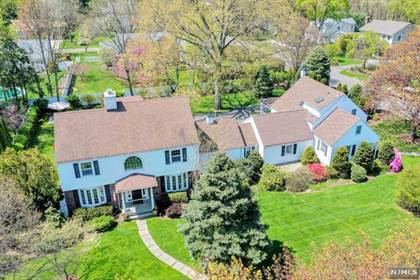 Residential Property for sale in 567 Wyckoff Avenue, Wyckoff, NJ, 07481