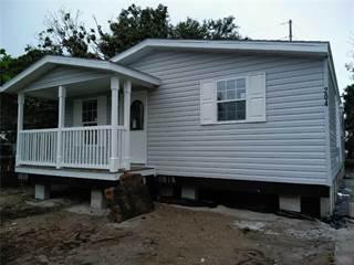 Residential Property for sale in 204 LARK DRIVE, Largo, FL, 33778