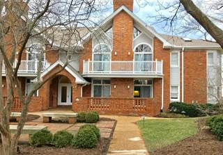 Condo for sale in 17 Country Club Terr, Glendale, MO, 63122