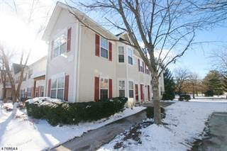 Townhouse for sale in 74 Williamson Ct, Bradley Gardens, NJ, 08807