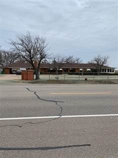 Residential Property for sale in 1803 S Highway 6, Quanah, TX, 79252