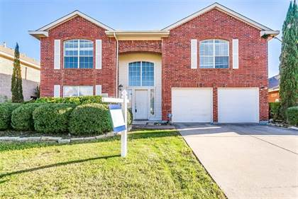 Residential for sale in 214 Matlock Meadow Drive, Arlington, TX, 76002