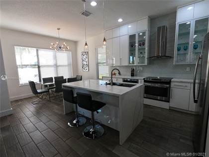 Residential Property for sale in 9811 W 32nd Ln, Hialeah, FL, 33018