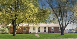 Single Family for sale in 914 Rollins Street, Centralia, MO, 65240