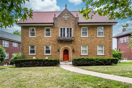 Residential Property for sale in 7728 Shirley Drive 2E, Clayton, MO, 63105