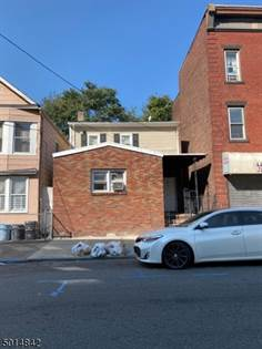 Multifamily for sale in 287 12TH AVE, Paterson, NJ, 07514