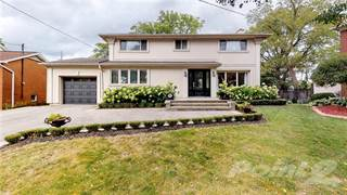Residential Property for sale in 104 INVERNESS Court, Hamilton, Ontario, L9C 1A5
