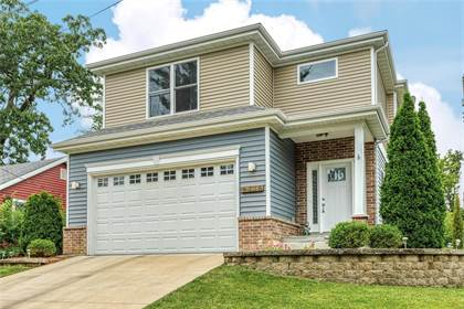 Residential for sale in 2115 Grandview Drive, Crystal Lake Park, MO, 63131