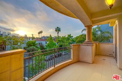 Residential Property for sale in 462 S MAPLE DR 3rd floor, Beverly Hills, CA, 90212