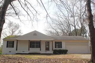 Single Family for sale in 378 Lake Hill Cove, Mount Pleasant, MS, 38611