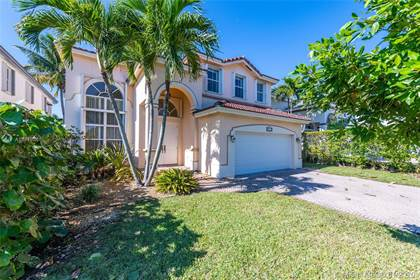 Residential for sale in 4350 SW 161st Pl, Miami, FL, 33185