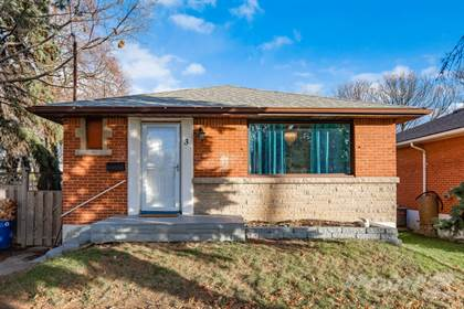 Residential for sale in 3 Greenwood Street, Hamilton, Ontario, L8T 3N2
